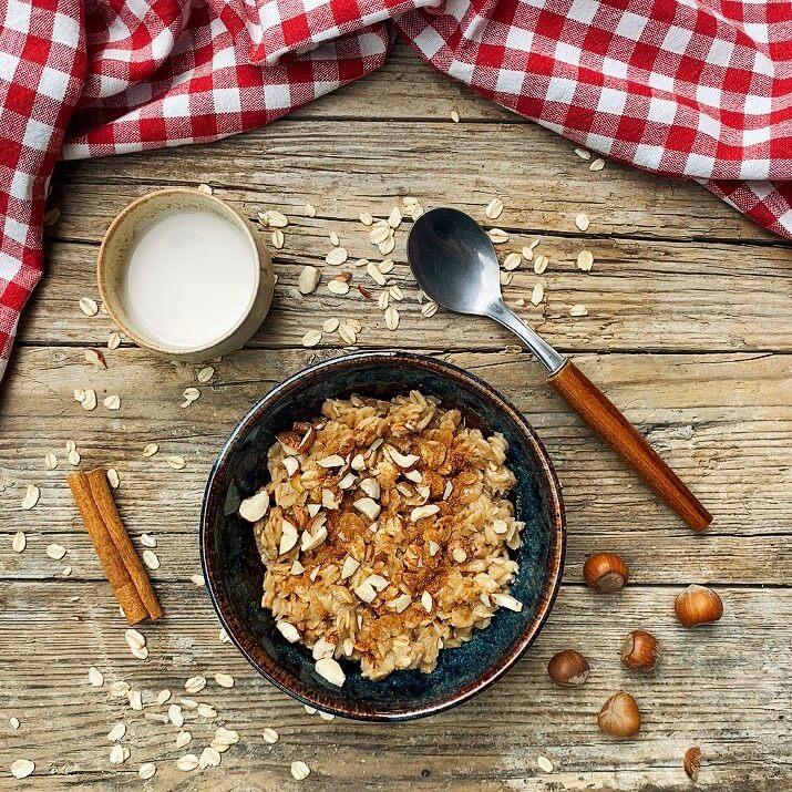 Ricetta porridge carrube e nocciole Il Punto Bio