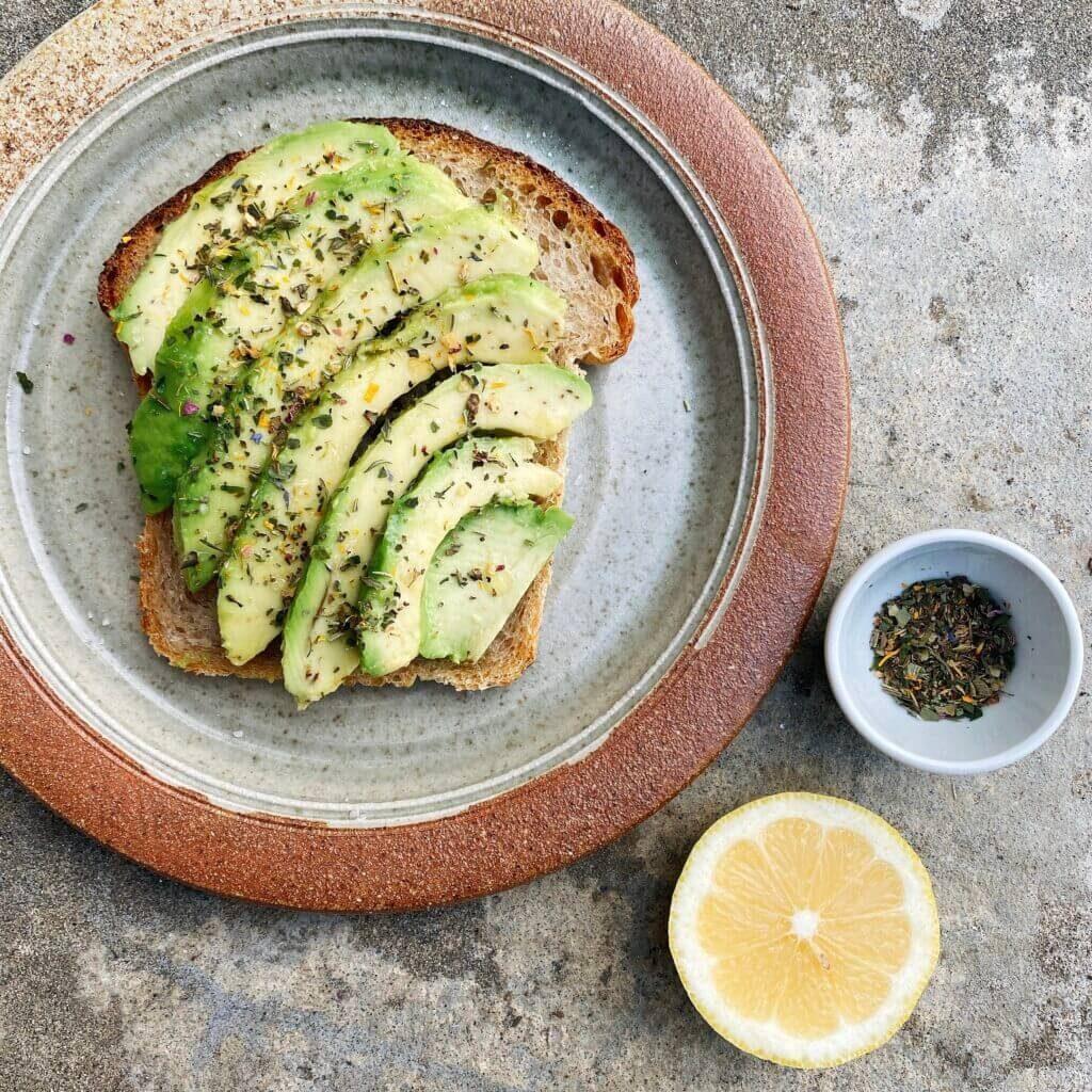 Ricetta avocado toast Il Punto Bio